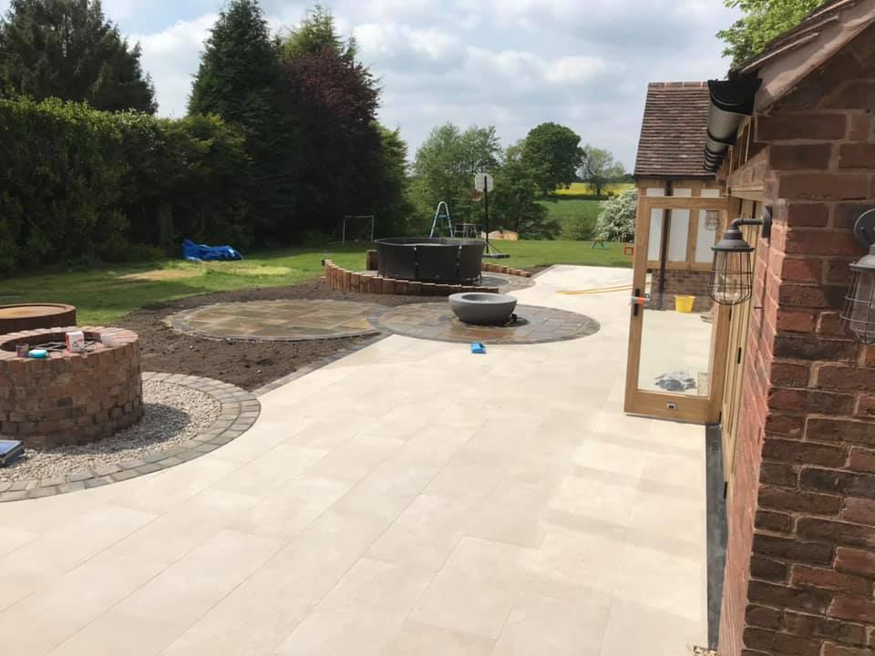 D & R Paving and Landscaping - Patios